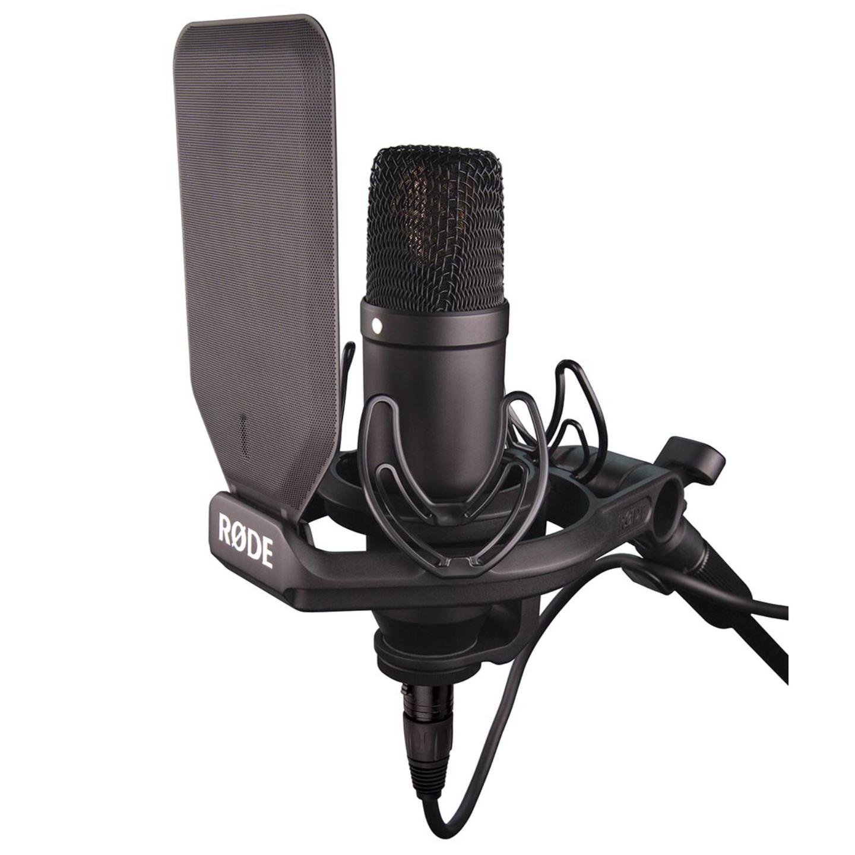 RODE NT1 Podcasting